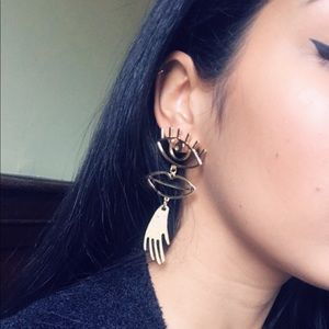 Jewelry - 🆕 Statement eye drop statement earrings